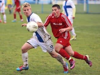 deux joueurs de football
